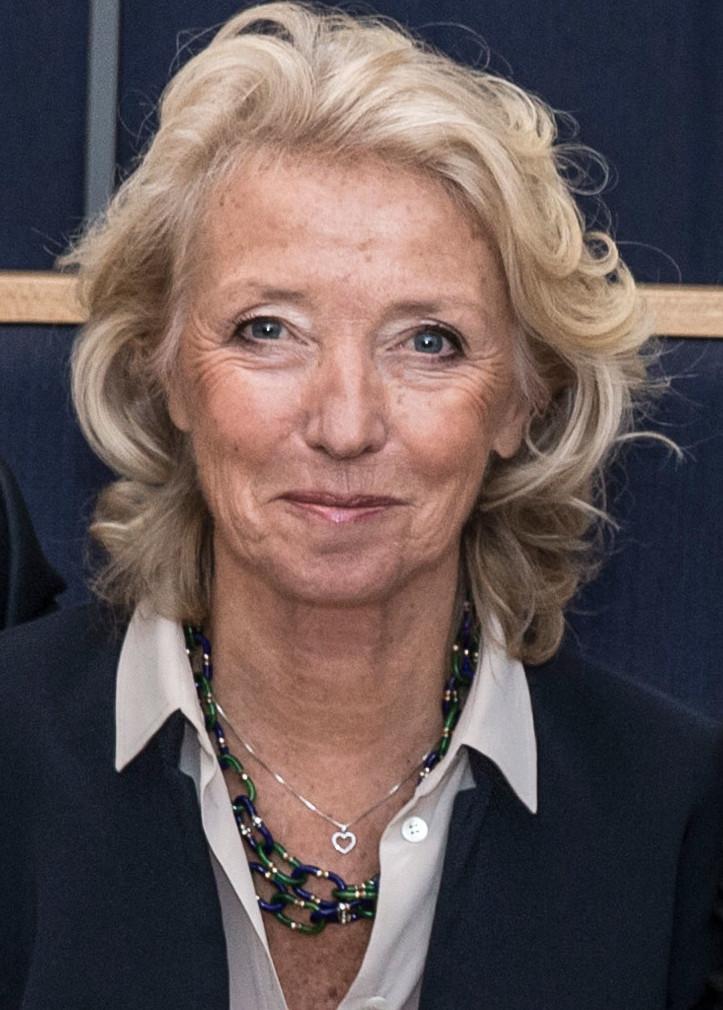 Nina Eldh, ledamot Fil. mag. Erfarenhet som informationschef i kommun, svenskt och internationellt näringsliv samt vid Kungl Hovstaterna.